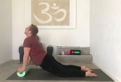 Yoga mit der Faszienrolle – Andi